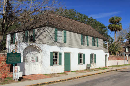 The Gonzalez-Alvarez House, pictured here, lays claim as the oldest residence in the city of St. Augustine, Florida Reklamní fotografie - 114930738