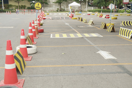 Drivers testen center of rijlessen omgeving. Redactioneel