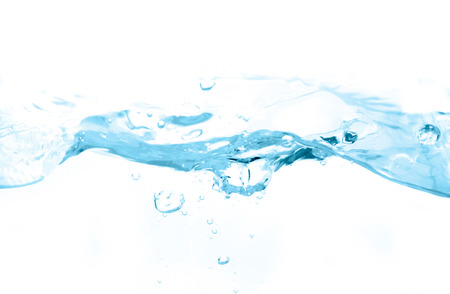 Water en water bubble op een witte achtergrond. Blauwe Toon.