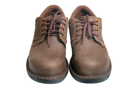 zapatos de seguridad: Zapatos de seguridad sobre fondo blanco. Dispositivos de protección para aplicaciones industriales.