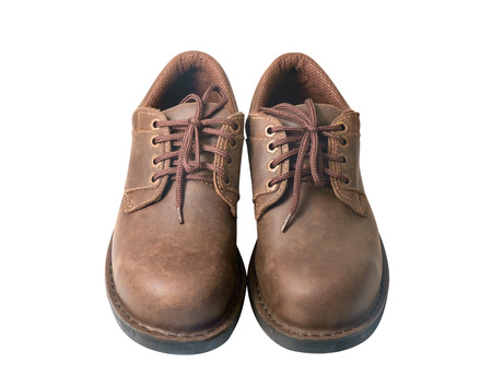 zapatos de seguridad: Zapatos de seguridad sobre fondo blanco. Dispositivos de protecci�n para aplicaciones industriales.
