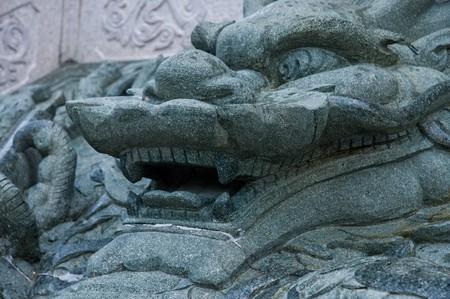 chinese dragon sculpture pattern