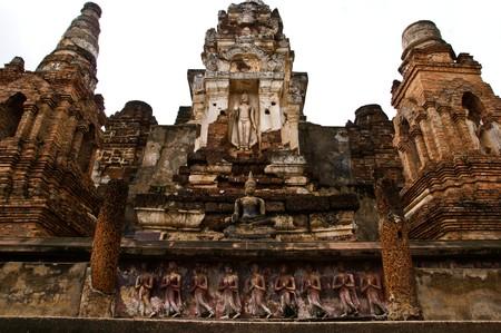 BUDDHA STATUE, SUKHOTHAI, THAILAND