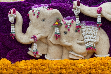 Elephant statue decorated with flowers   Stock Photo - 17008047