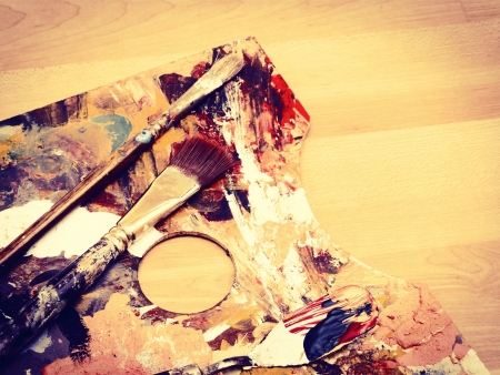 palette knife: Paintbrush on palette with vintage look