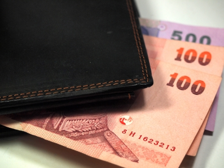 converter: Baht Banknote and the wallet