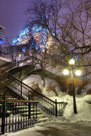 Nachtaufnahme von Le Chateau Frontenac. Lizenzfreie Bilder