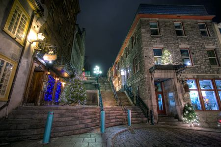 Old part of Quebec City decorated for Christmas Standard-Bild