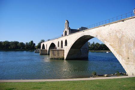 d: Pont d Avignon