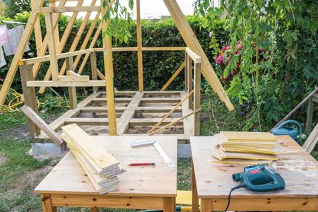 electric tools: Building a garden cabin