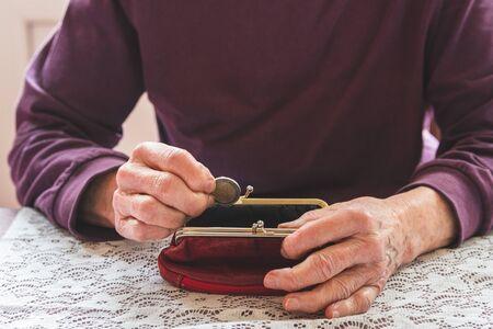 Anciana sin dinero