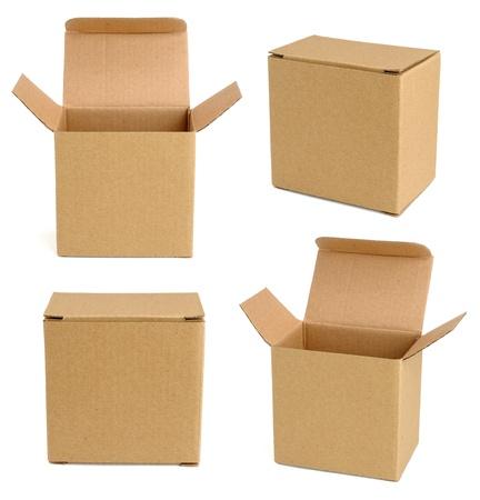 carton: Colección de cajas de cartón aisladas sobre fondo blanco