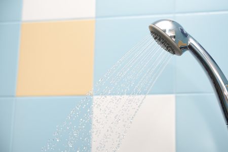Shower head with water streams and drops