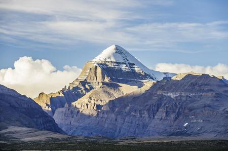 Widok na południowy zachód góry Kailash, Tybetański Region Autonomiczny, Chiny.