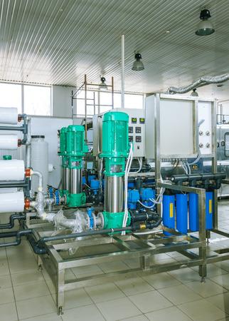 filtration: bombas y sistemas de tuber�as de filtraci�n y purificaci�n de agua