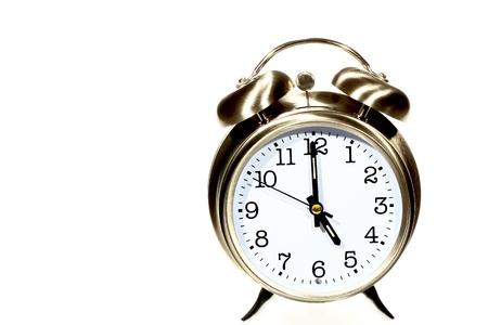 llegar tarde: configurar el reloj de 5 00 campanas de alarma