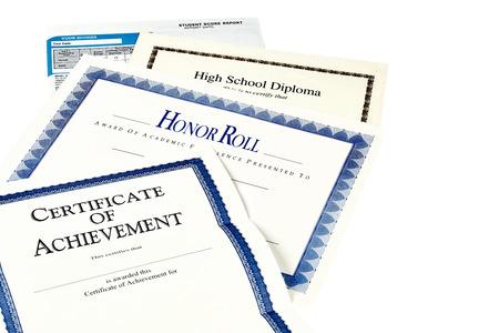 high school students: Documentos de educaci�n incluyendo informe SAT, diploma de escuela secundaria, el honor reconocimiento rollo, programa commencemnent y certificado de logro aislado en negro