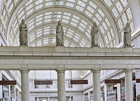 skylights: Ceiling skylights inside Union Station with marble pillars and statues Editorial