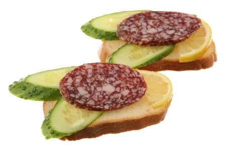 sandwiche: Due panini sono isolati su uno sfondo bianco