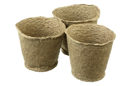 turf: Drie lege turf potten op witte achtergrond Stockfoto