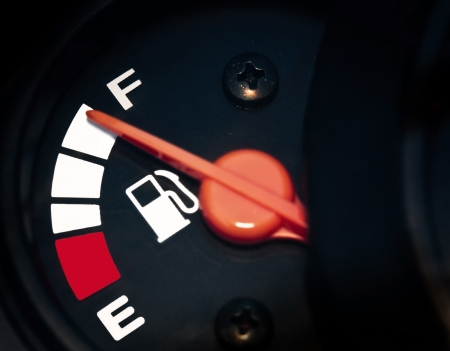gas gauge: full fuel