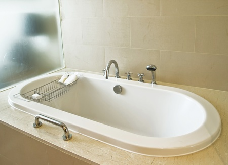 bathtub: bath tub