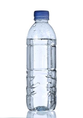 leere flaschen: reines Wasser in der Flasche f�r gesundes Leben Lizenzfreie Bilder