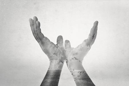 exposicion: doble exposici�n, la mano de la libertad