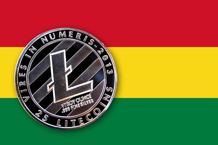 coin litecoin en la bandera de Bolivia