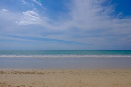 Beautiful empty beach sea and blue sky. 版權商用圖片