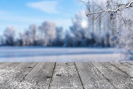 winterlandschap achtergrond met grijs hout