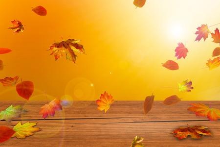 houten tafel voor de herfst achtergrond