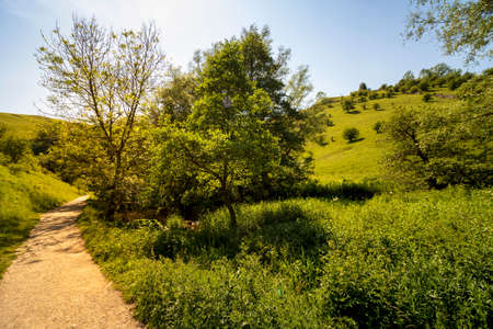 Dovedale-A beautiful landscape on a sunny day in a natural nature reserve in England Stock fotó - 151422318