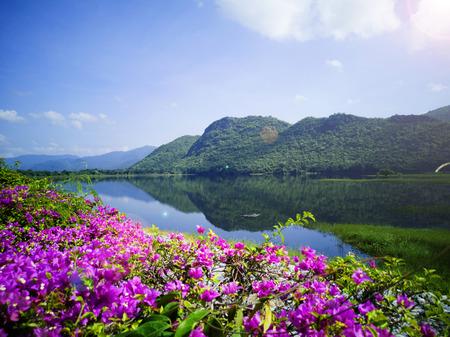 The Tha Thung Na Dam is a multi-purpose hydroelectric dam in the Kanchanaburi District of Kanchanaburi Province, Thailand 스톡 콘텐츠