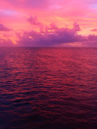 great barrier reef marine park: Sunset over the Pacific Ocean off Australia