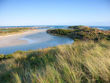 Monding van de rivier Hopkins in Zuid-Australië in de omgeving van Warrnambool, Victoria Stockfoto