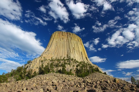 volcanic stones: Devils Tower National Monument rises prominently from the landscape of northeastern Wyoming Stock Photo