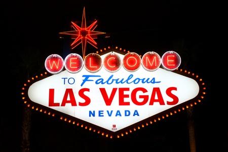 Das berühmte Willkommen in Fabulous Las Vegas-Zeichen am südlichen Ende des Strips Standard-Bild - 13404928
