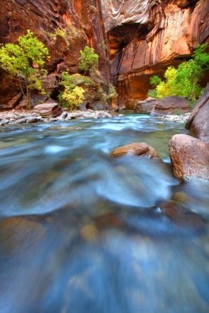 Shallow rapids of the Virgin River Narrows in Zion National Park - Utah Imagens