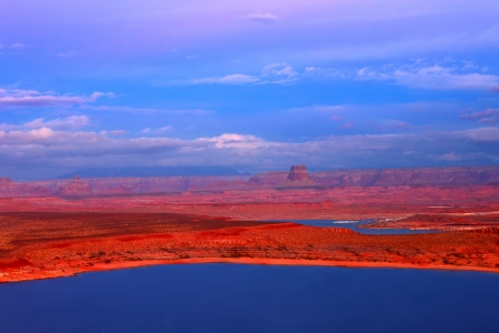lake powell: Lake Powell in Glen Canyon National Recreation Area
