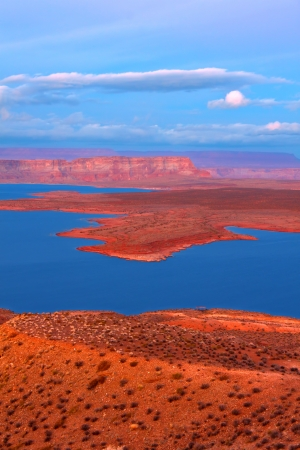 lake powell: Twilight over Lake Powell in Glen Canyon National Recreation Area