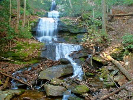 Ober Desoto Falls in der Chattahoochee National Forest of Georgia Standard-Bild - 23831215