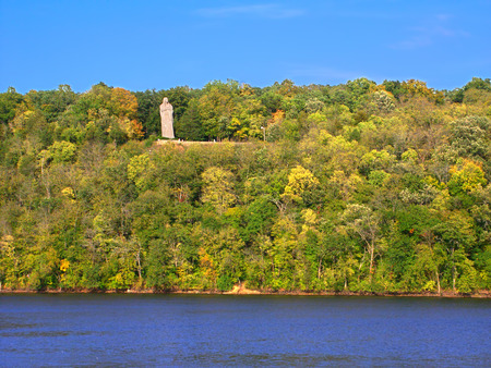 black hawk: Black Hawk Statue towering high above the Rock River at Lowden State Park in northern Illinois