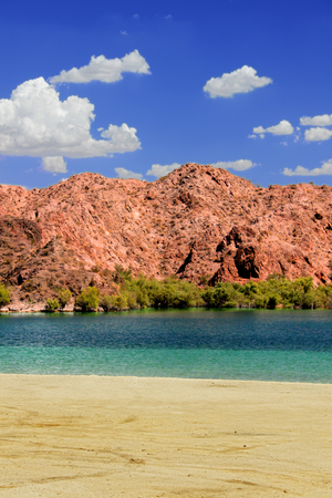 Lake Mohave beach on the Colorado River in the desert of the southwestern United States Stock Photo