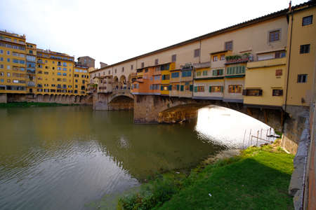 the Amo river and Ponte Vecchio in Florence, Italy Banco de Imagens