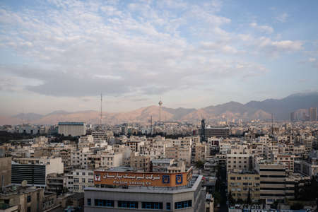 TEHRAN, IRAN - Oct 26, 2019: View of Tehran and the surrounding mountains. Éditoriale