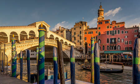 A beautiful shot of the Rialto Bridge in Venice, Italy during sunset