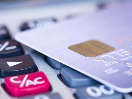 Creditcard op een rekenmachine