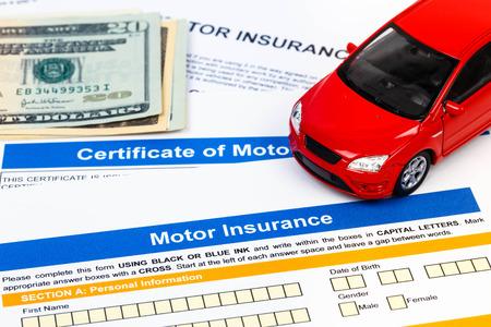 Motor o solicitud de seguro de auto con el modelo del coche