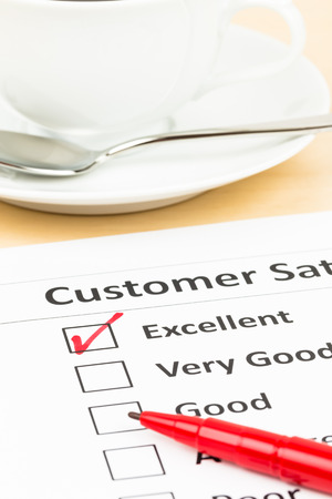 uitstekend: Customer satisfaction survey checkbox with excellent tick